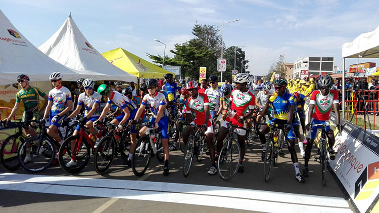 Start of the Road Race Men Junior